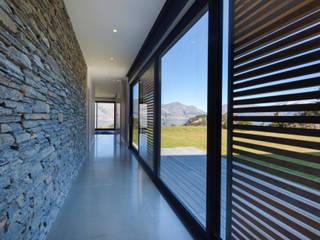 Agencement à même la roche Moderner Balkon, Veranda & Terrasse von Ecologic City Garden - Paul Marie Creation Modern
