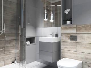 Łazienka z płytka drewnopodobną od PROJEKTY WNĘTRZ Laura Kozak