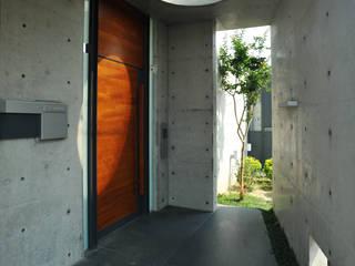 黃耀德建築師事務所 Adermark Design Studio Вілли