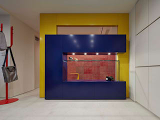 新宿の家: 有限会社 オープンハウスが手掛けたです。