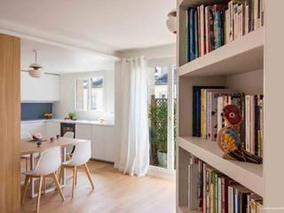Rue Viala: Couloir et hall d'entrée de style  par Atelier Sylvie Cahen
