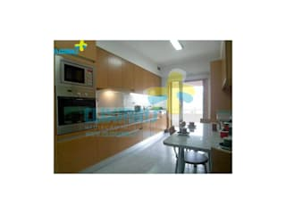 Built-in kitchens by Clix Mais,