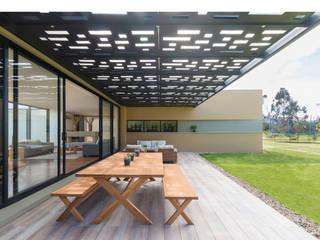 Hiên, sân thượng phong cách tối giản bởi David Macias Arquitectura & Urbanismo Tối giản