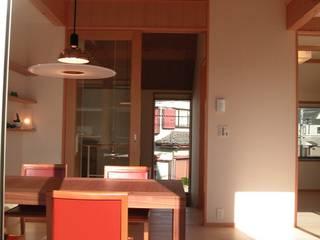市川市宮久保の家: 麻生英之建築設計事務所が手掛けたダイニングです。