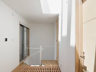 모던스타일 복도, 현관 & 계단 by atelier137 ARCHITECTURAL DESIGN OFFICE 모던 우드 우드 그레인