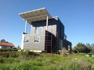 Casa en Algarrobo. Diseño y construccion de vivienda energitermica. Casa pasiva. Alto confort termico de Casas del Girasol- arquitecto Viña del mar Valparaiso Santiago Rústico