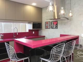 Moderne Küchen von Juliana Saraiva Arquitetura & Interiores Modern