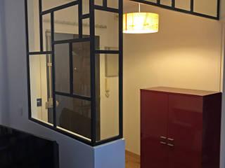 Réalisation d'une entrée : Couloir et hall d'entrée de style  par C'Design architectes d'intérieur