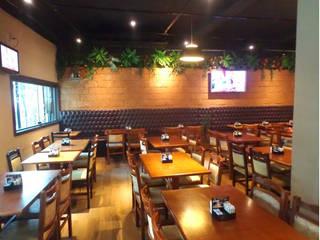 Restaurante: Espaços gastronômicos  por ANDREA PINTO DE ALMEIDA ARQUITETURA E CONSTRUÇÃO,Rústico