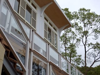 L. Villa 現代房屋設計點子、靈感 & 圖片 根據 CPh ARCh 現代風