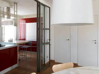CASA SF: Sala da pranzo in stile  di Lula Ferrari Architetto