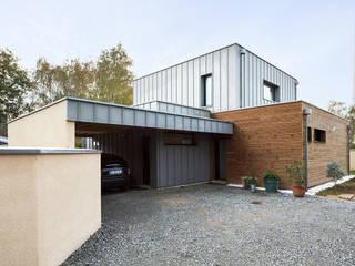 entrée: Maisons de style de style Moderne par DESarchitecture