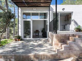Casa en La Murta Casas de estilo mediterráneo de tambori arquitectes Mediterráneo
