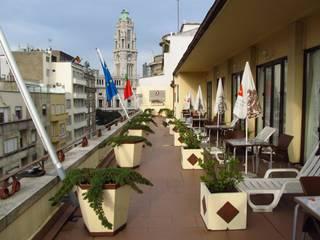 Hotel Pão de Açucar - Deck: Hotéis  por Be On Garden,Moderno
