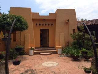 CASA DE CAMPO, H. ZITACUARO, MICHOACAN: Puertas de estilo  por ECLIPSE ARQUITECTOS SA de cv