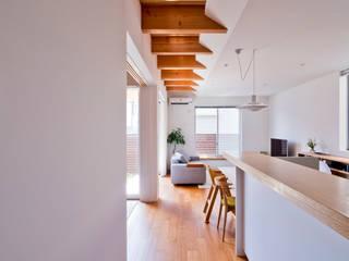 Moderne Wohnzimmer von キリコ設計事務所 Modern