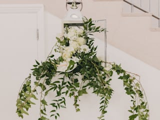 Wedding & Event Flowers: classic  by Flower Station, Classic