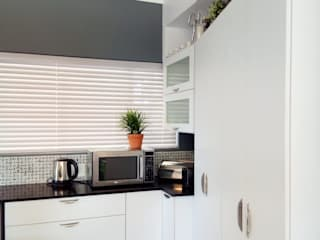 Built-in kitchens by Ergo Designer Kitchens and Cabinetry, Modern