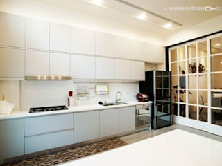 摩登時尚 现代客厅設計點子、靈感 & 圖片 根據 大漢創研室內裝修設計有限公司 現代風