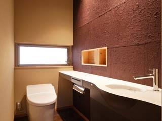 長浜市O邸: 空間工房 用舎行蔵 一級建築士事務所が手掛けた浴室です。