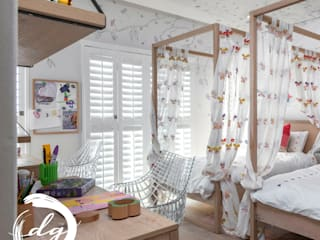 Stanza dei bambine in stile coloniale di Deborah Garth Interior Design International (Pty)Ltd Coloniale