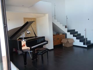 O Pirilampo - Alojamento Local: Escadas  por Arkhimacchietta Atelier