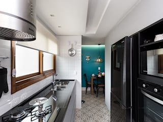 Kitchen units by Rabisco Arquitetura, Eclectic