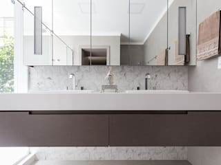 Rabisco Arquitetura Modern bathroom MDF White