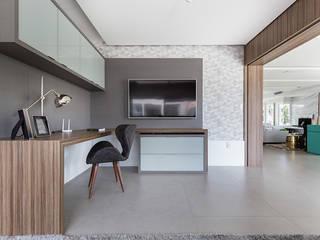 Rabisco Arquitetura Ruang Studi/Kantor Modern Kaca Transparent