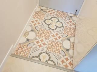 Mediterranean corridor, hallway & stairs by YONG DESIGN Mediterranean