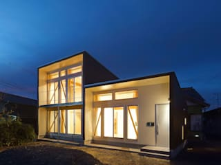 3-BOX 1800万円の家: アース・アーキテクツ一級建築士事務所が手掛けた木造住宅です。