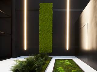 Showroom: Pavimento in stile  di AbitoVerde