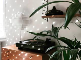 Salas de estilo tropical de MM STUDIO - INTERIORS BERLIN Tropical