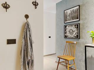Scandinavian style corridor, hallway& stairs by Klover Scandinavian