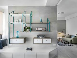 八號屋:  牆面 by 寓子設計