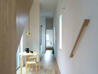 Moderne Wohnzimmer von NASU CLUB Modern