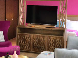 Galeria Sofia BedroomWardrobes & closets Wood