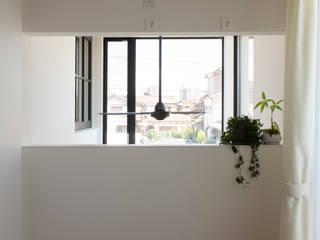 LOOK: yuukistyle 友紀建築工房が手掛けた廊下 & 玄関です。,モダン