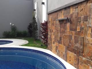 Moderne muren & vloeren van MAGEN | Revestimentos Cimentícios Modern