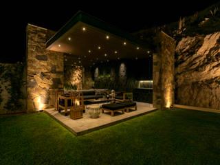 Casa Cumbres, Arquitectura de Materialista: Jardines de piedra de estilo  por Villalobos Image Maker