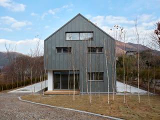 lyanature LAB (리아네이처 연구소 및 창고동): 위즈스케일디자인의  주택