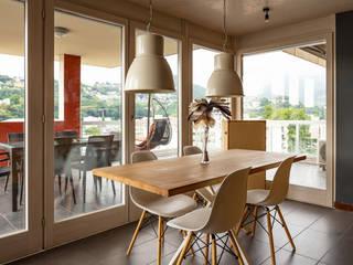 Stoły drewniane do jadalni: styl , w kategorii  zaprojektowany przez Salvador Wood Design Sp. z o.o.