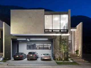 Casas Las Fincas II: Casas unifamiliares de estilo  por VOA Arquitectos
