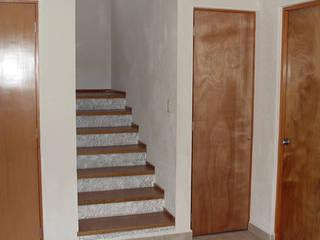 Metepec: Escaleras de estilo  por INTERIORISIMO