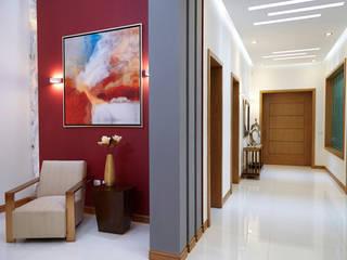 Modern corridor, hallway & stairs by arketipo-taller de arquitectura Modern