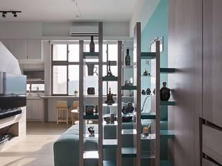 Corridor & hallway by 禾光室內裝修設計 ─ Her Guang Design, Scandinavian
