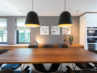 Modern dining room by Aangenaam Interieuradvies Modern