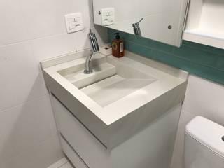 Apartamento Brooklin: Banheiros  por 3JP Engenharia,Moderno Cerâmica