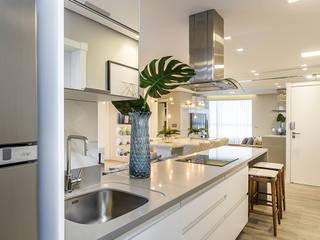Apartamento JO por Juliana Agner Arquitetura e Interiores Minimalista