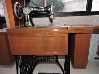 Maquina de Coser Singer (Después):  de estilo  por La Casa del Diseño